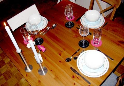 Gedeckter Tisch vorher