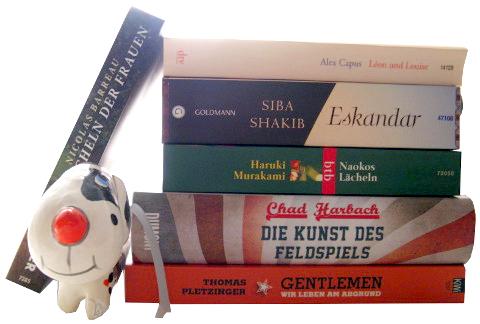 Bücher Oktober 2012 (Bücherstapel mit Hund)