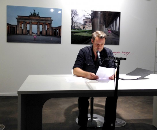 Erasmus von Meppen verliest die Nachrichten