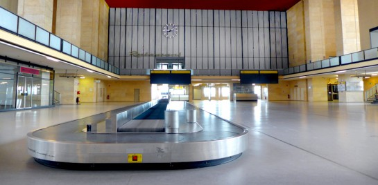 Tempelhof: Abfertigungshalle