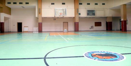 Tempelhof: Sporthalle