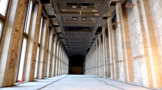 Tempelhof: über der Abfertigungshalle