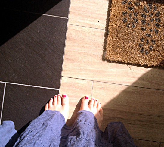 12von12 im April: Morgensonne auf den Füßen