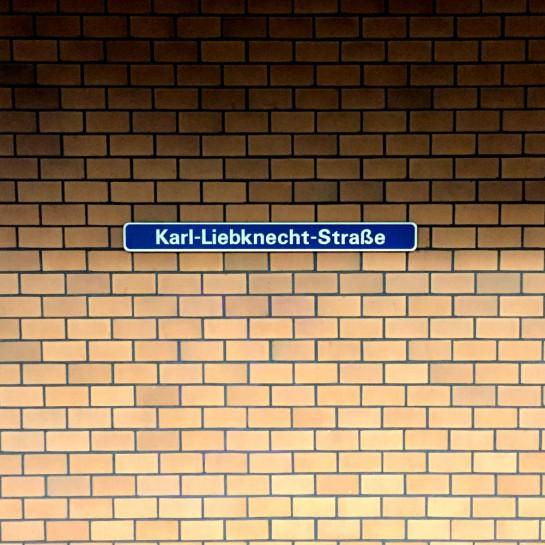 """12von12 im Mai: Schild """"Karl-Liebknecht-Straße"""""""