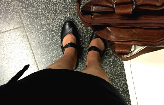 12von12 im Mai: U-Bahn-Warterei mit Schuhen und Handtasche