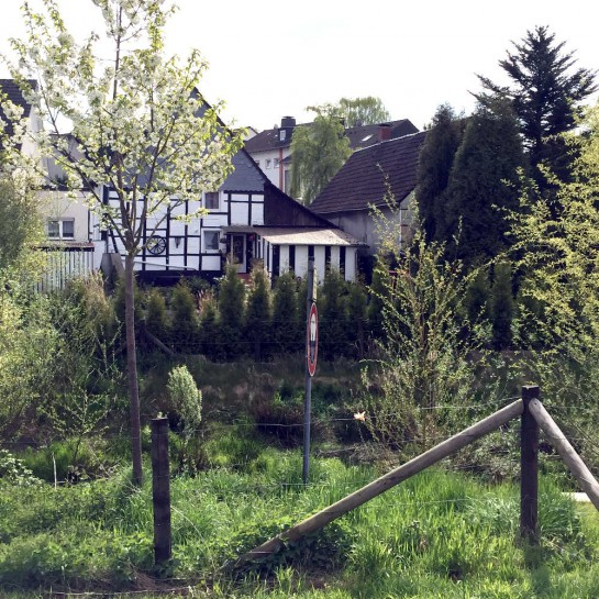 Dortmund-Schüren, Fachwerkhaus an der Emscher