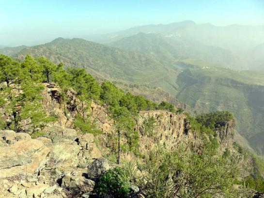 Wanderratgeber: Blick vom Gipfel ins Tal