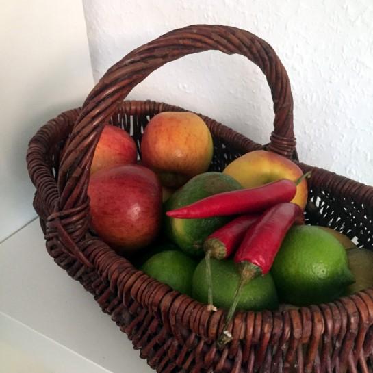 #12von12: Obstkorb mit Limetten und Chili