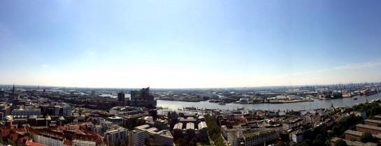 Blick vom Michel: Panorama über Elbe, Elbphilharmonie und Hafen