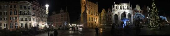 Danziger Altstadt mit Neptunbrunnen an Heiligabend