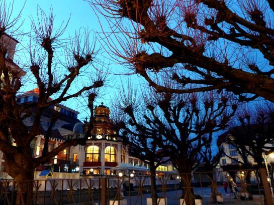 Sopot: Kurhaus im Dämmerlicht