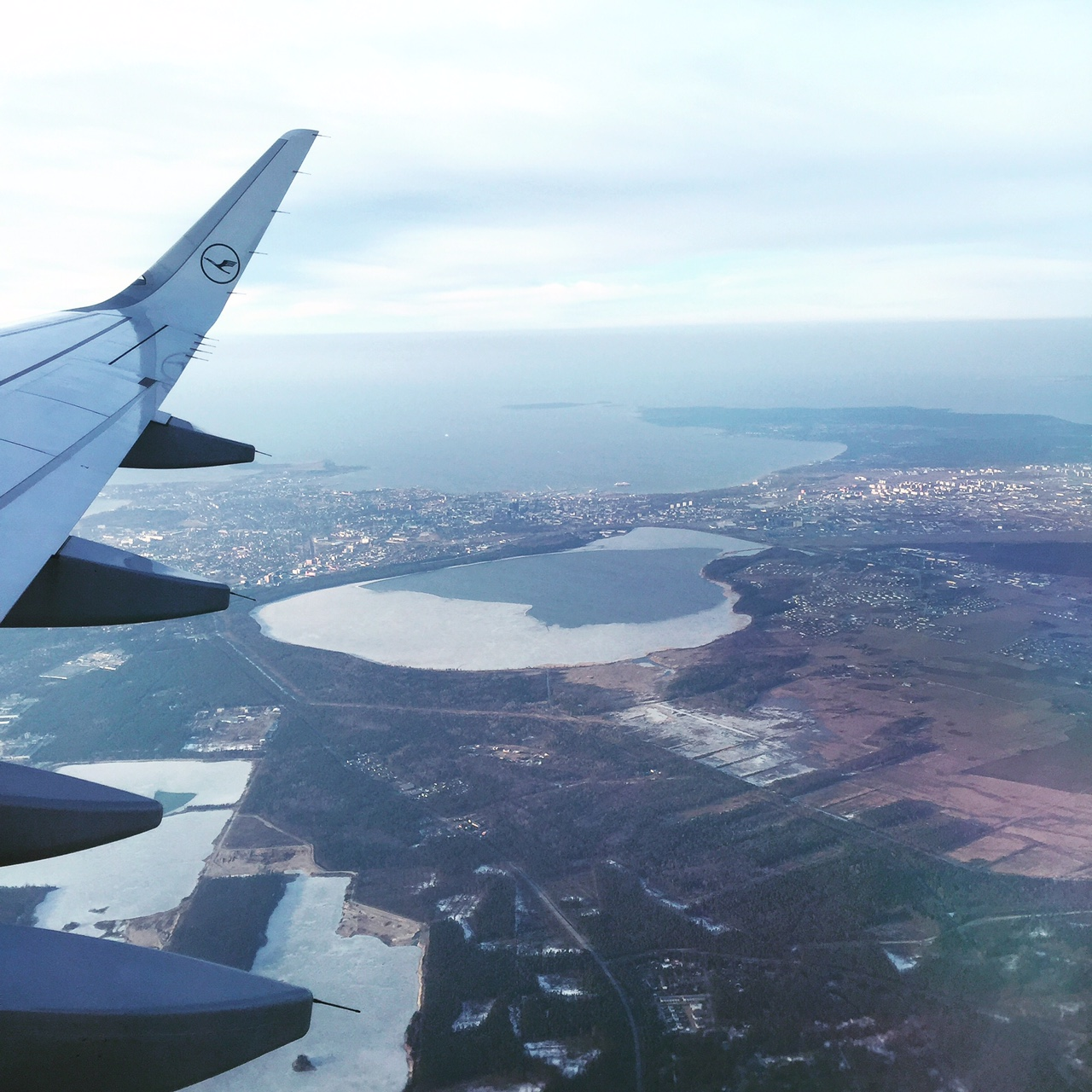 Blick aus dem Flugzeug auf Tallinn