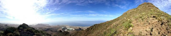 Panorama: Auf der Hälfte, rechts geht's weiter bergauf