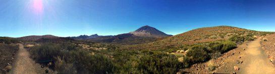 Karge Landschaft, Blick auf Teide