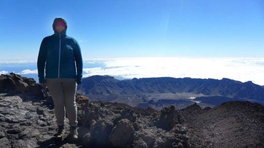 Teide: Auf 3.600 Metern Höhe knapp unter dem Gipfel - Blick nach unten