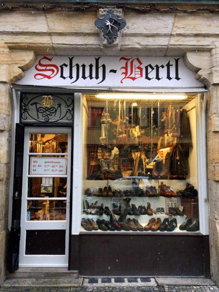 Schuh Bertl, bayerischer Schusterladen