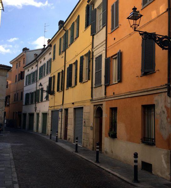 Parma, bunte Häuser