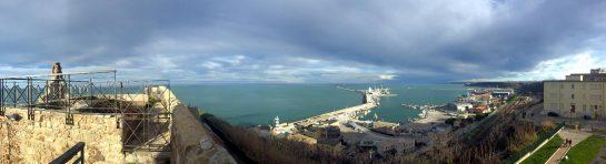 Ortona: Blick auf den Hafen