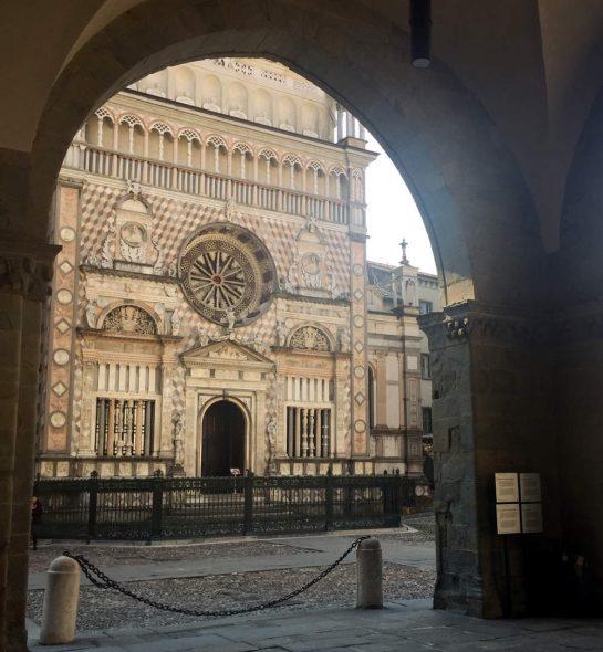 Bergamo: Domfassade