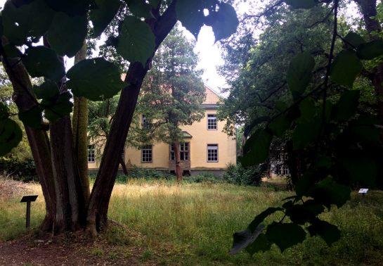 Herrenhaus Haus Busch von hinten