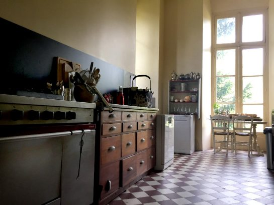 Pleurs: Küche
