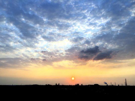 Ruhrgebiet: Sonnenuntergang vor Schloten