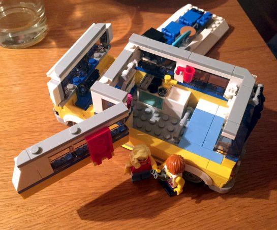 Lego Creator Surfermobil mit zwei Püppchen