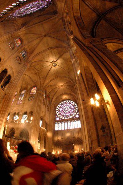 Notre Dame innen, Fenster