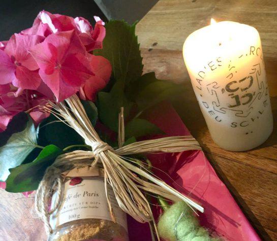 Blumen, LC-Kerze