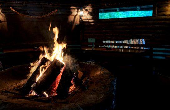 Feuer in der Grillhütte