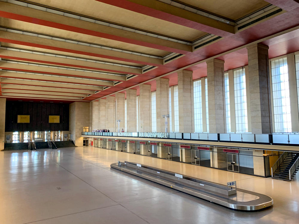 Tempelhof: Abflughalle