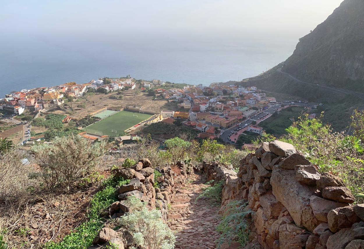 Steinweg, Blick hinunter aufs Dorf Agulo