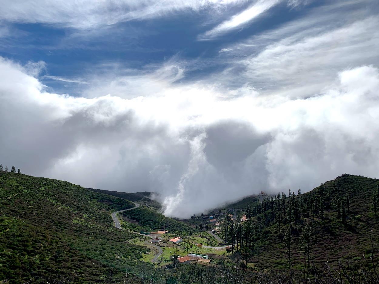 Wolkenberge ziehen in Igualero ein
