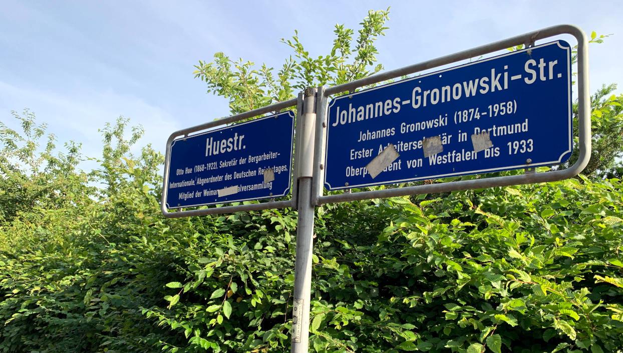 Huestraße, benannt nach Otto Hue, Sekretär der Berarbeiter-internationale. Johannes-Gronowksi-Straße, Erster Arbeitersekretär in Dortmund