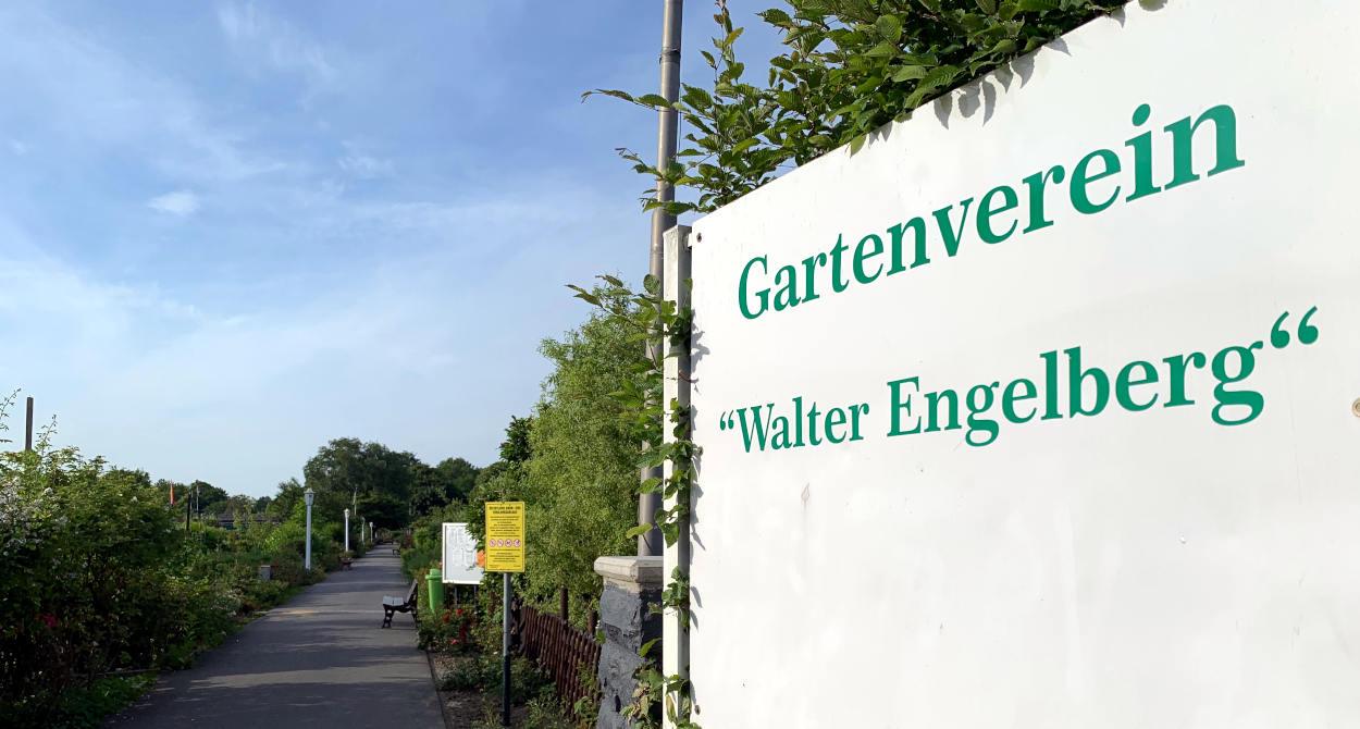 """Schild """"Gartenverein Walter Engelberg"""""""