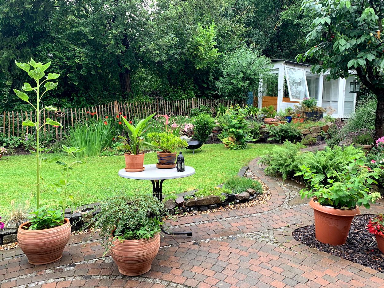 Garten, verregnet